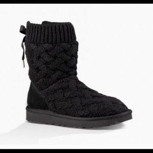 UGG BLACK ISLA boot